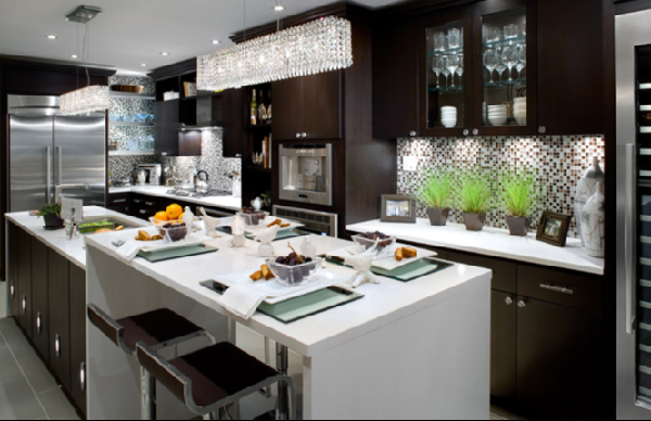 lacquer modern kitchen island, and brown blue glass tiles backsplash